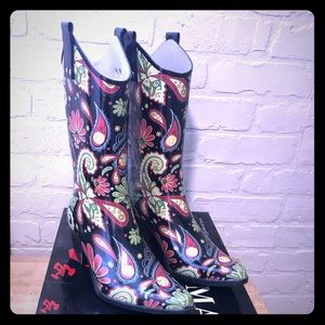 Rubber cowgirl style boots